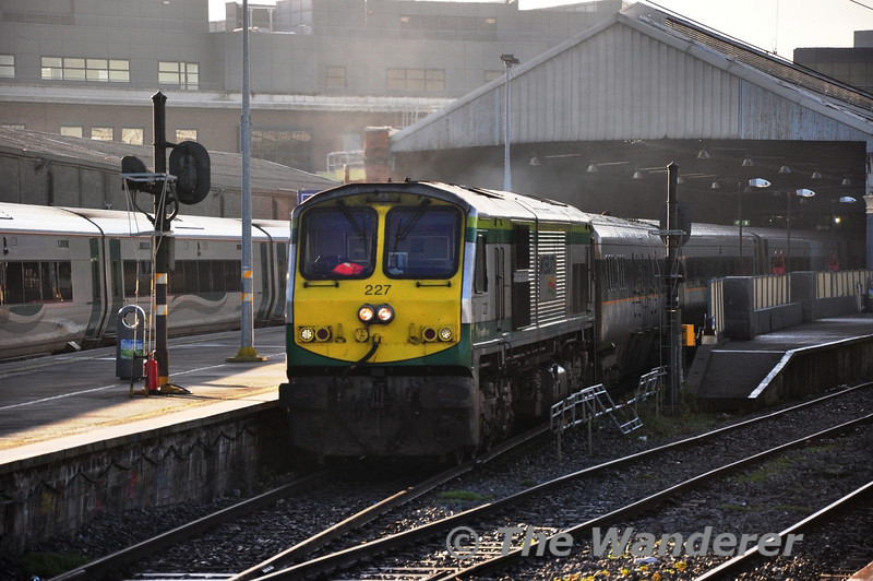 Enterprise stalwart 227 departs from Connolly with the 1320 Enterprise to Belfast Central. All 3 De-Dietrich diagrams currently have a MKIII EGV in the consist. Behind the loco is 89608. Wed 09.01.13