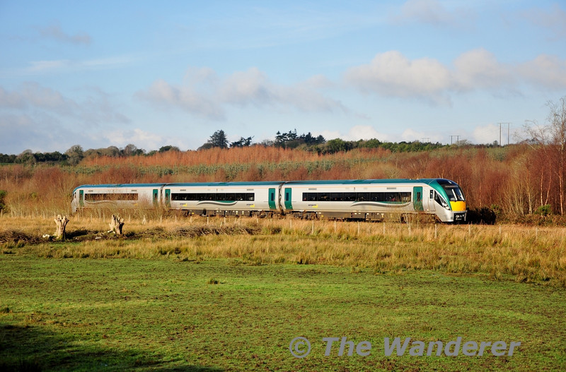 22011 passes through the townland of Oldforge near Minish Level Crossing with the 1115 Tralee - Mallow. Sat 12.01.13