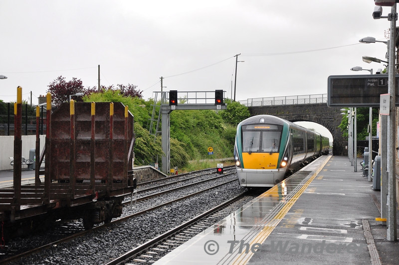 22056 leads the 1315 Heuston - Waterford service though Kildare. Sat 22.06.13