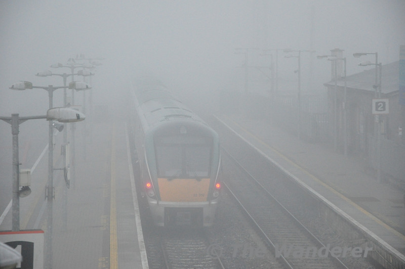 22030 + 22018 depart Portlaoise in to the morning mist with the empty stock off the 0625 Heuston - Portlaoise. This set will lay over in Laois Train Care Down Loop before forming the 0810 Portlaoise - Heuston. Sat 02.03.13