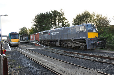 071 stands at Westport. It had worked Saturday's Timber train from Waterford. Note the scotches under the wheels to prevent a runaway. On the platform is 22033 which will be the 1315 to Dublin Heuston. Sun 04.11.13