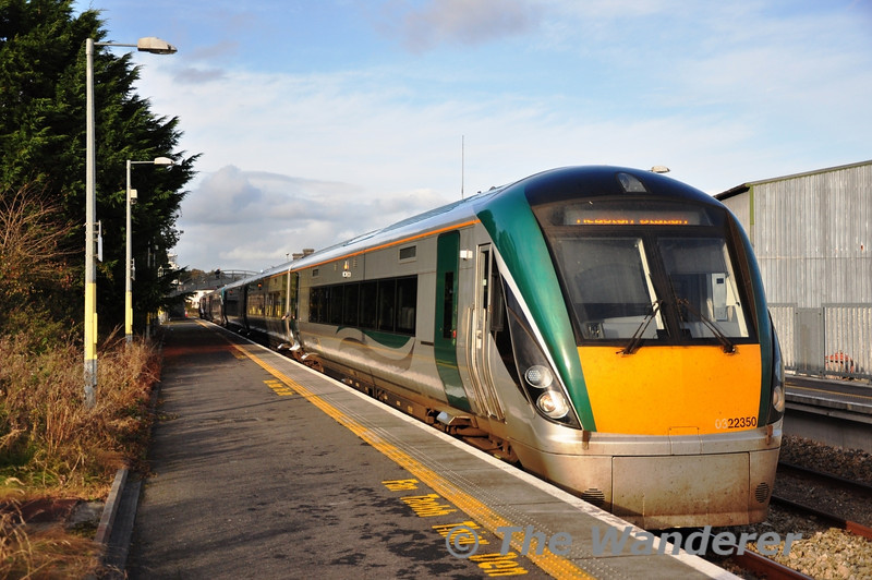22006 + 22050 at Castlerea with the 1310 Westport - Heuston. Fri 01.11.13