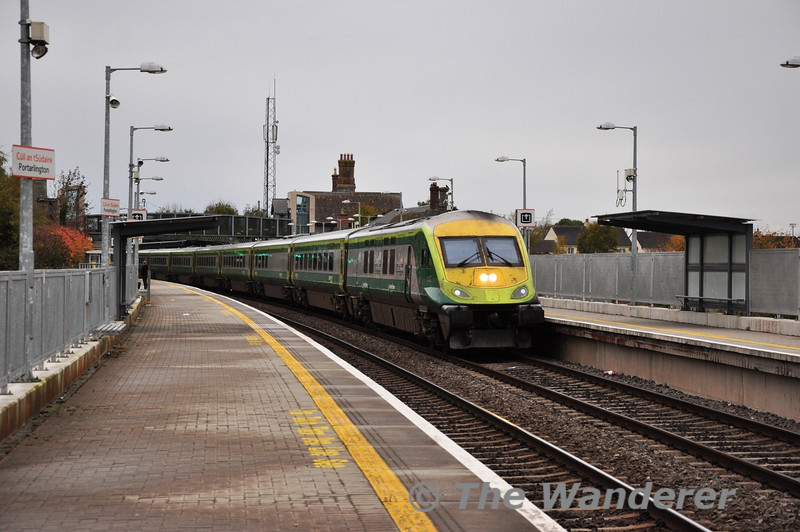 4006 leads the 1320 Cork - Heuston through Portarlington. 217 was propelling at the rear. Sat 09.11.13