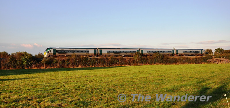 "After its morning trip to Cork, 22021 was employed on more mundane Portlaoise Commuter services for the evening. The 1620 Heuston - Portlaoise passes Killinure. Mon 14.10.13<br> <br>  <a href=""http://www.flickr.com/photos/95093559@N06/10275216436/in/set-72157636553176925"" target=""_blank"">Kieran Marshall</a> caught 22021 at Portlaoise after arrival of the 1620 Commuter service from Dublin Heuston."