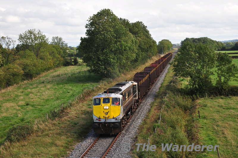 081 passes Shanderry, between Portarlington & Geashill with the 1130 Waterford - Westport Ety. Timber. Sat 21.09.13