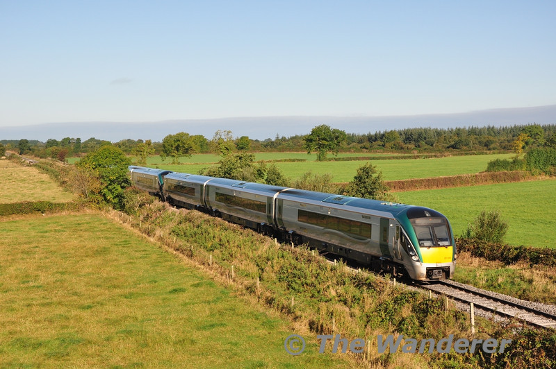22029 + 22058 passes Shanderry with the 0810 Claremorris - Heuston G.A.A. Special. Sun 22.09.13