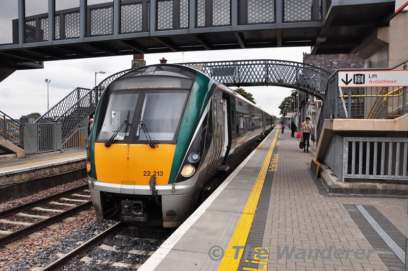 22013 stands at Portlaoise after terminating with the 1320 Commuter service ex Heuston. The unit will now go to Laois Train Care Depot. Wed 25.09.13