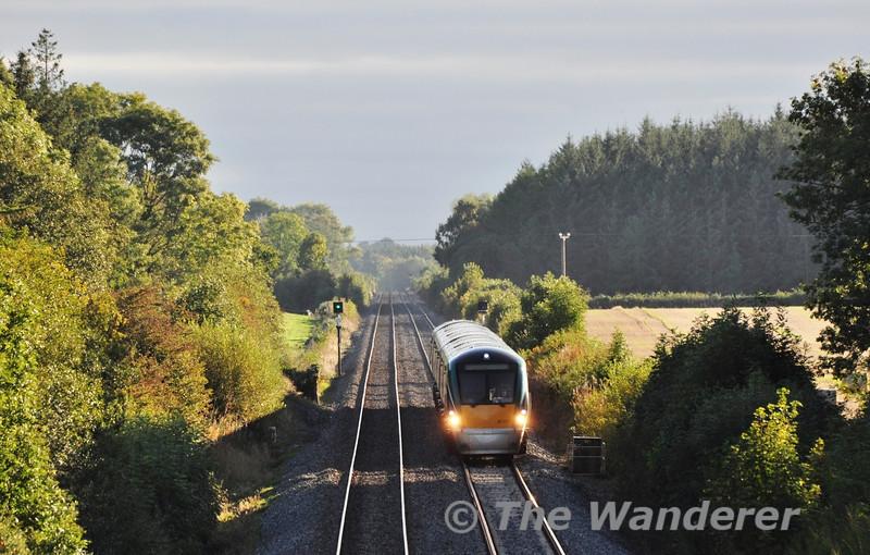 22037 1620 Limerick - Heuston at Carn between Portlaoise & Portarlington. Sun 22.09.13