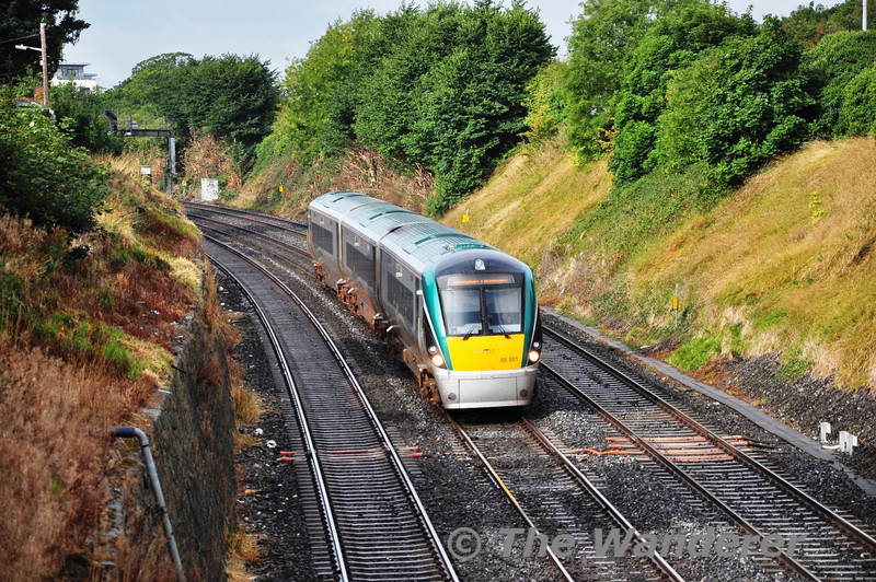 Galway were playing in the Minor Final and Iarnrod Eireann provided a 0820 Galway - Heuston Special as a relief to the 0805 regular passenger service. 22021 is pictured at the Gullet near journeys end. This set would normally be spare on a Sunday in Galway. Sun 08.09.13