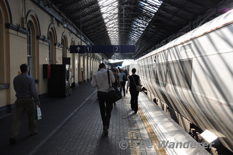 The sunlight casts shadows over 22056 as customers walk to the 1725 Heuston - Limerick service, which was the front train on the platform. 22056 was to form part of the 1810 Heuston - Portlaoise.  Tues 03.09.13