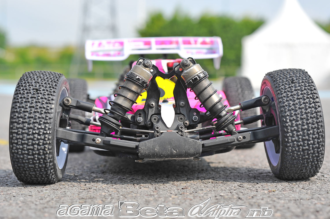 http://gallery.neobuggy.net/2013Races/Euros/Under-The-Hood/i-p7Xm7p8/0/X2/RIC_2186%20copia-X2.jpg