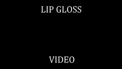 35   LIP GLOSS