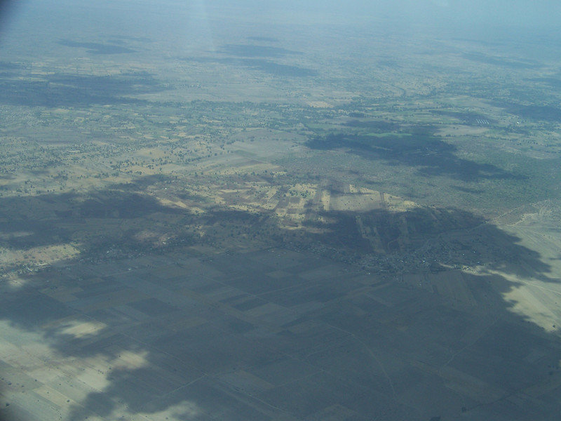 0961 - View on ZanAir Flight from Arusha to Zanzibar - Arusha - Tanzania.JPG