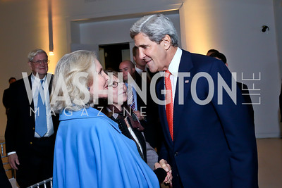 Sally Quinn, Margaret Carlson, Sec. John Kerry. Photo by Tony Powell. Ploughshares Fund Gala 2013. Institute of Peace. October 28, 2013