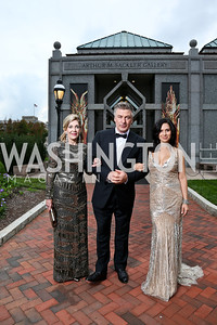 Dame Jillian Sackler, Alec and Hilaria Baldwin. Photo by Tony Powell. Some Enlightened Evening. Andrew Mellon Auditorium. October 17, 2013