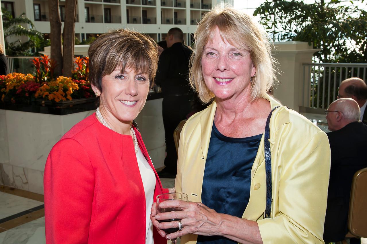 Susan Dreyfus, Darleen Lindstrom