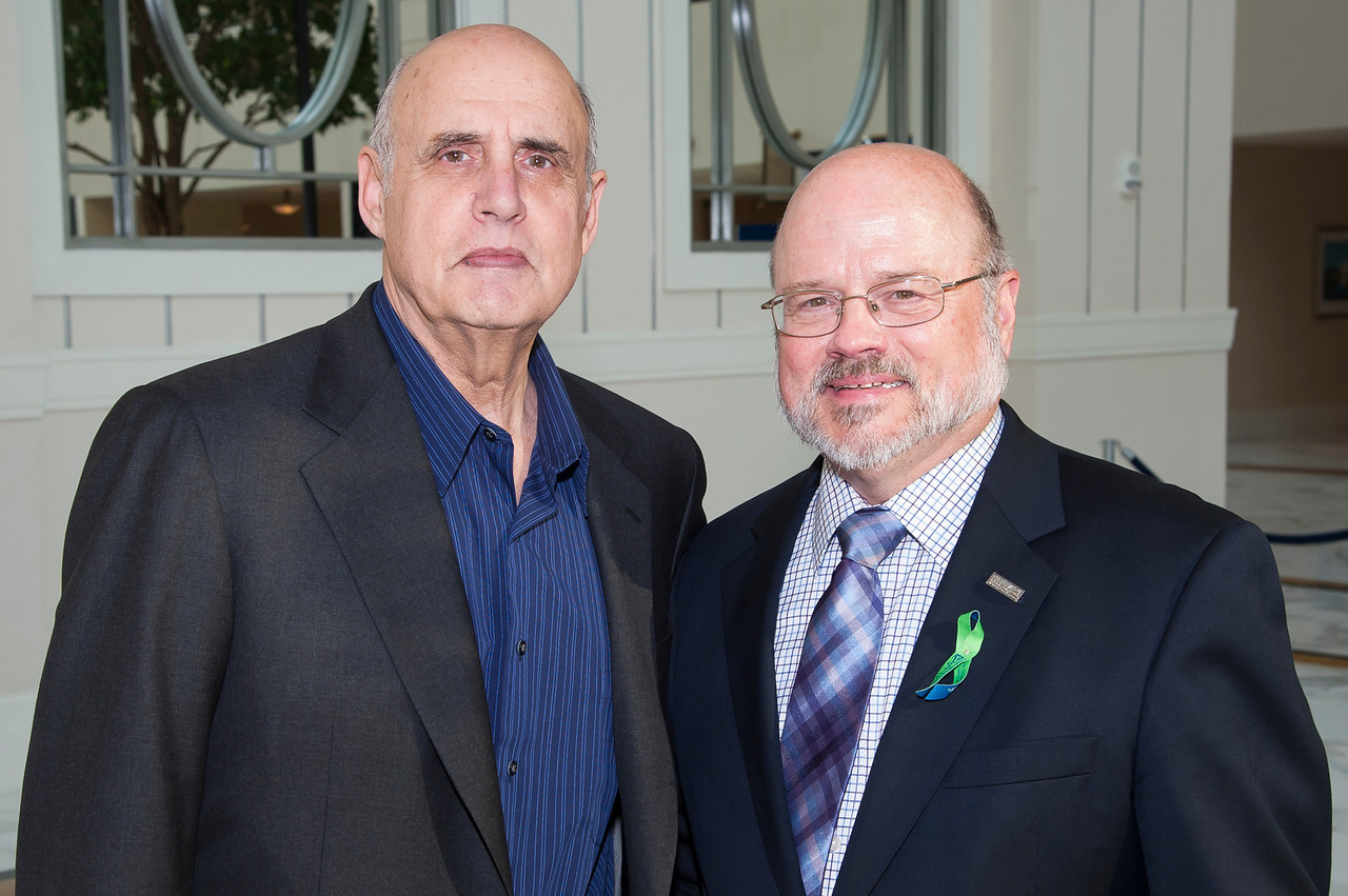 Jeffrey Tambor, Wayne Lindstrom