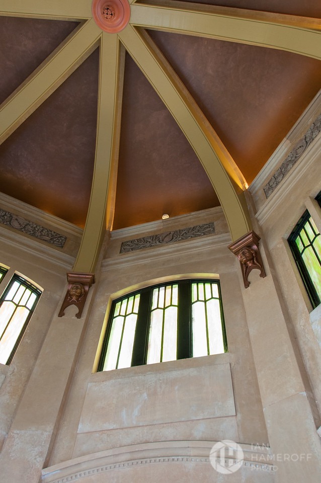 Inside the Vista House