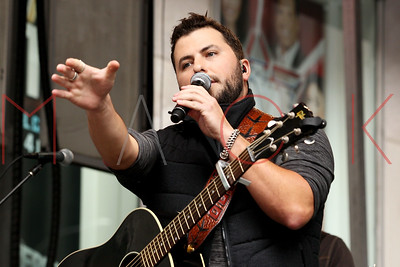 "NEW YORK, NY - AUGUST 22:  Tyler Farr performs during ""FOX & Friends"" All American Concert Series outside of FOX Studios on August 22, 2014 in New York City."