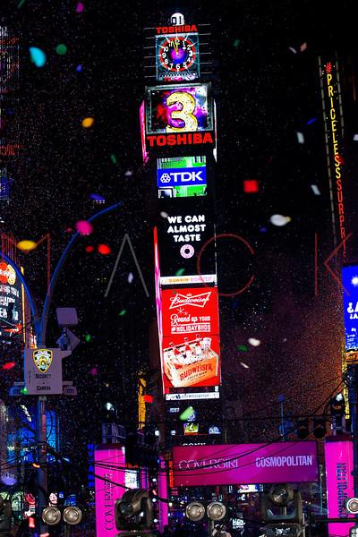 527507693SM128_New_Year_s_E