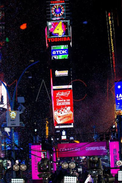527507693SM129_New_Year_s_E