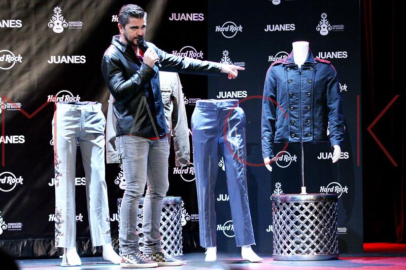 513952187SM017_Juanes_Artis