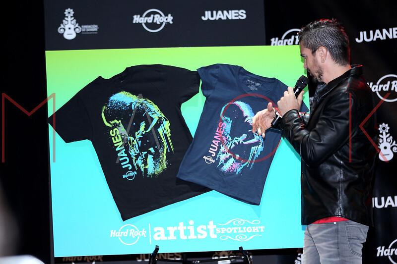 513952187SM015_Juanes_Artis