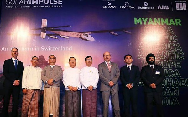 Web photo: Arne Lujeon, in the gray suit, we met in Burma, and saw on TV in 2015 because he organized the stopover for Solar Impulse in Mandalay.