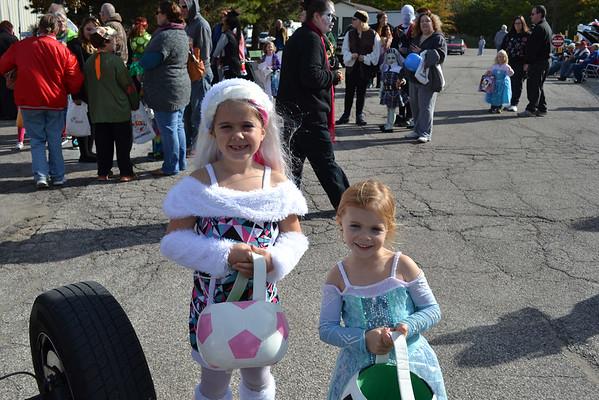 Eastlake Blvd. of 500 Flags Annual Halloween Cruise