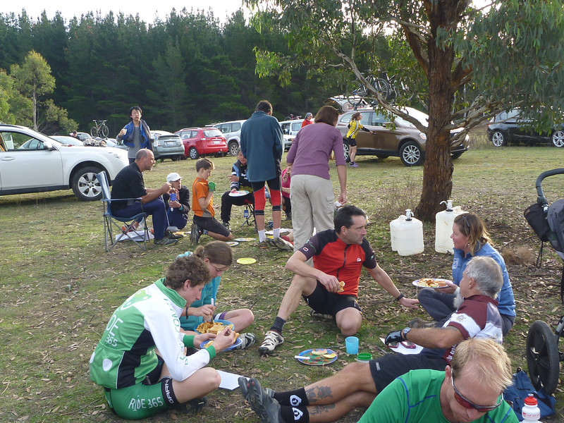 Competitors enjoying the food at the Hash House following the Foot/Cyclegaine.