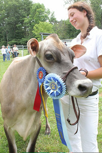 IMG_1922 JPG jenna rice of harltland with Violet, they won the Fitting And Showing championship