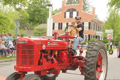 IMG_3992 JPG jeremy crane and niece adison,3, on tractor
