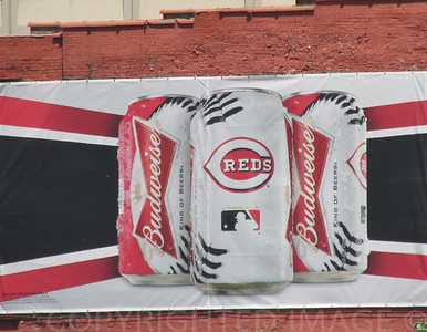 Cincinnati Reds hanging with Budweiser