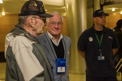 18 Honor Flight Departure 110.18.14-10