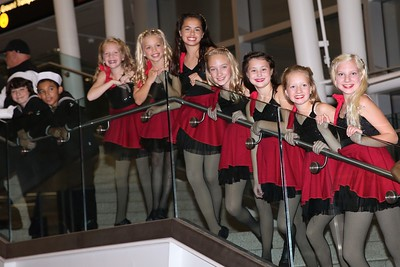 13 dancers stairs