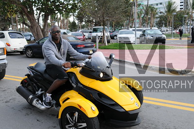 NFL pro Terrell Owens cruises around Miami Beach during Super Bowl week Photo: Margot Jordan All Rights Reserved