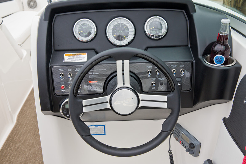 Sea Ray 300 Sundeck (2014)