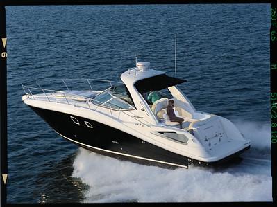 08330DA_RUN2 Sea Ray 350 Sundancer (2012)