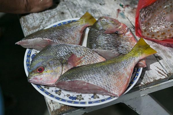 Dalagang Bukid (yellowtail fusilier), ready for frying