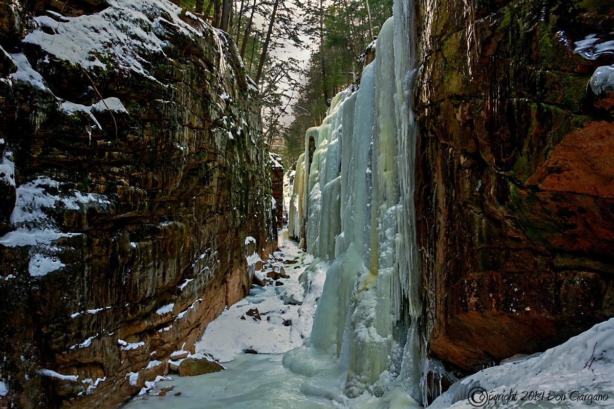 IMAGE: http://amtphoto.smugmug.com/2014-Photos/White-Mountains/Flume-Gorge/i-JgNz5Q8/0/X2/Flume%20Gorge-01-30-04cr%20-X2.jpg