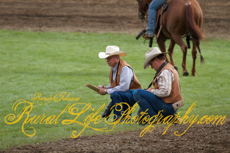 PRCA Photographer Bob Click on left.