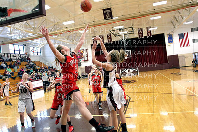 Lady Ducks Vs Brimfield 2-8-2014_1845