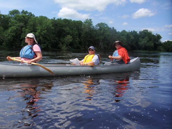 wald-anna- 3 women in a canoe