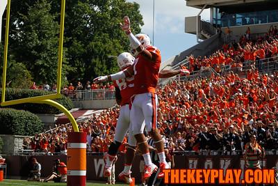 Bucky Hodges (7) celebrates his touchdown catch with fellow TE Kalvin Cline. (Mark Umansky/Thekeyplay.com)