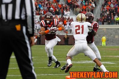 TE Bucky Hodges (7) makes a run as Isiaiah Ford (1) blocks Manuel Asprilla (21) (Mark Umansky/Thekeyplay.com)