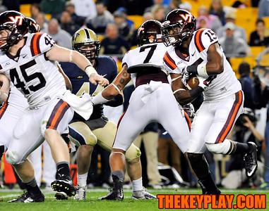 Virginia Tech Hokies running back Joel Caleb (15) looks for a running lane on a first half rushing attempt. (Michael Shroyer/ Thekeyplay.com)