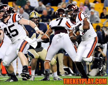 Virginia Tech Hokies running back Joel Caleb (15) looks for a running lane on a first half rushing attempt. (Michael Shroyer/ Thekeyplay.com)