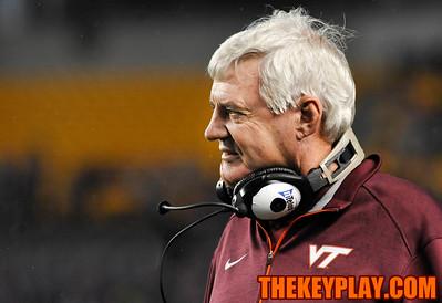 Virginia Tech head coach Frank Beamer looks on in displeasure at a penalty called on the Hokies. (Michael Shroyer/ Thekeyplay.com)