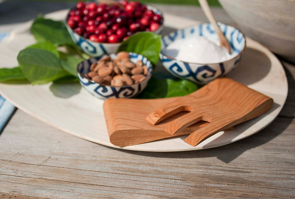 Wood-boards salad hands trays
