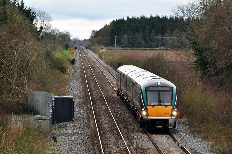 22029 at Carn Bridge with the 1220 Cork - Heuston. Sat 05.04.14